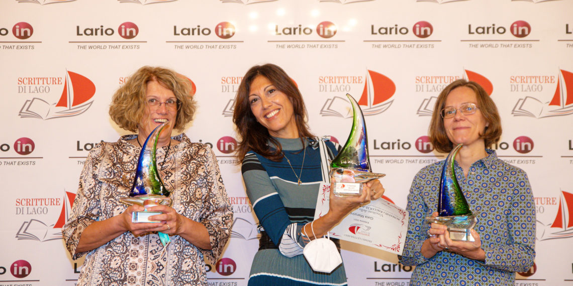 Como sala bianca premiazione Scritture di Lago, da sin. Rita Redaelli premio inediti, Gaia Manzini premio editi e Bérénice Capatti premio traduzione